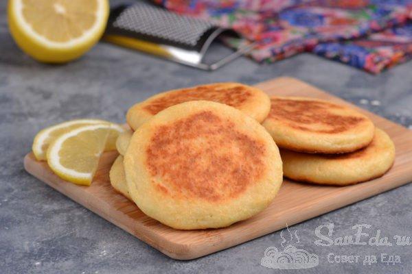 Сырники из творога с лимонной цедрой