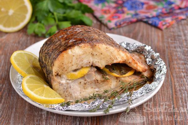 Рыба с лимоном и тимьяном в духовке