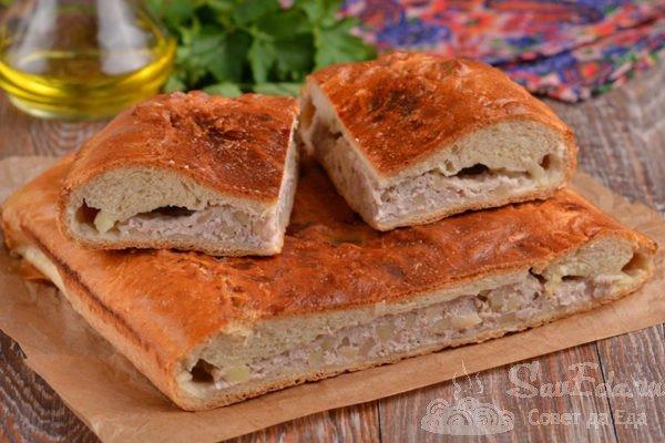 Дрожжевой пирог с фаршем и картошкой