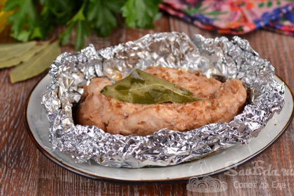 Куриная грудка с соевым соусом в фольге
