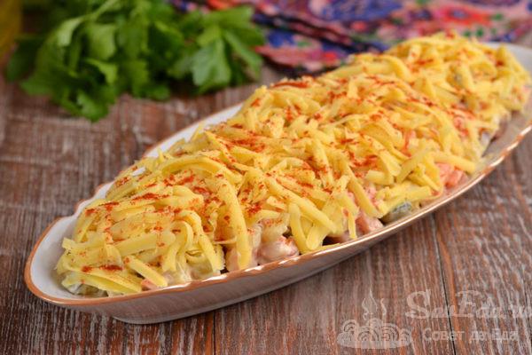 Селёдка под овощной шубой с сыром