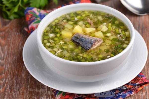 Быстрый картофельный суп с рыбными консервами