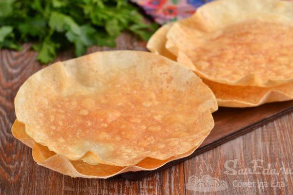 Хрустящие тарелки из лаваша для салата