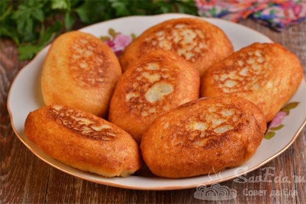 Ленивые пирожки с грибами и сыром на сковороде