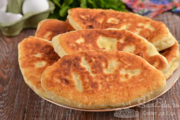 Жареные пирожки на кефире с картошкой