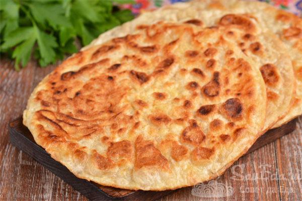 Быстрые сырные лепешки из лаваша