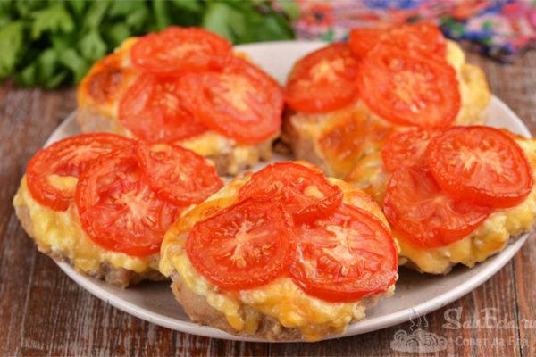 Котлеты под шубой из сыра и помидоров