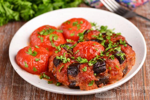 Фаршированные баклажаны с помидорами в духовке
