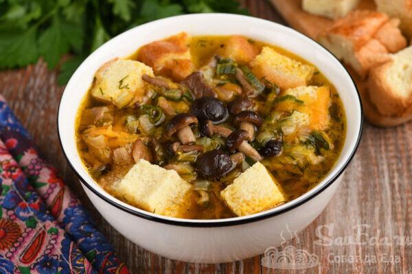 Грибной суп с бисквитными клецками