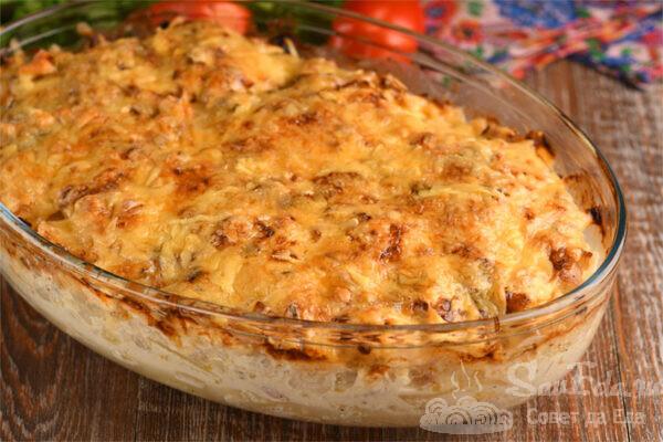 Мясо по-французски с помидорами и картошкой