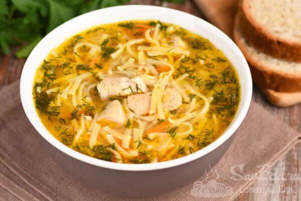 Быстрый куриный суп с лапшой