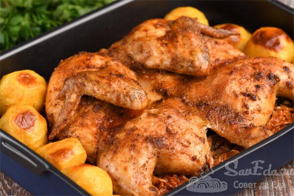 Курица целиком с картошкой и капустой