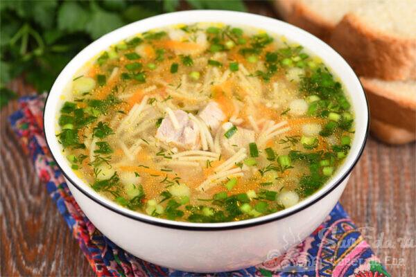 Быстрый суп со свининой и вермишелью