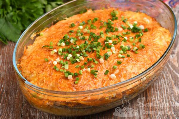 Минтай с морковью и луком в духовке