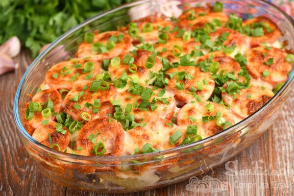 Куриная печень с овощами в духовке