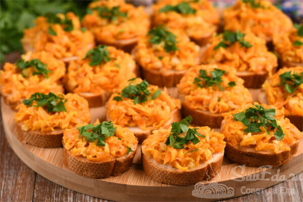 Закуска из моркови и запеченного чеснока
