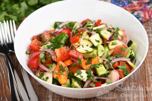Овощной салат с винегретной заправкой